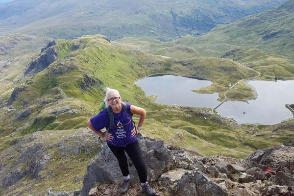 A Target Ovarian Cancer fundraiser trekking on Mount Snowden