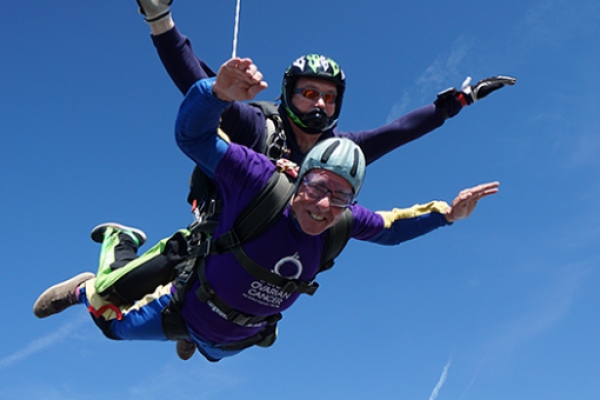 Stephen skydiving for Target Ovarian Cancer